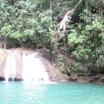 YS Falls- Cliff jumping
