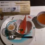 左上はお夜食にと三重名物の秋刀魚のお寿司をいただきました。嬉しいおもてなしでした。
