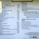 Il menu esposto all'esterno