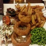 8oz Steak served with chips,tomatoe,coleslaw,Onion rings and mushroom very tastey