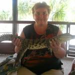 Крокодильчик оказался гладким и тепленьким