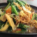 Sizzling noodles