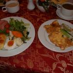 朝食は洋、越、中華がそろっている。