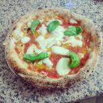 La tradizionale pizza napoletana