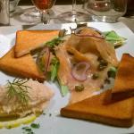Duo de saumon avec ses toasts