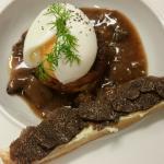 Oeuf mollet, gateau de foie gras mouillette truffé