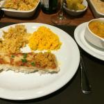 Peixe com carne de carangueijo e purê de macaxeira com queijo coalho