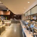 Phuket Cafe - All Day Dinning