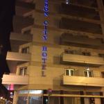 Hotel por fora a noite