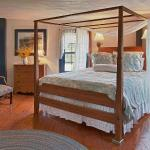 Room 4 is a large room on the second floor with a king bed and large bathroom