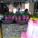marché  surin beach