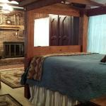 The Buffalo Bill Deluxe Room with Oxbow Bed