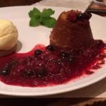 Delícia! Muitos pratos parecidos com Outback!! Ótimo atendimento!! Sobremesa deliciosaaaaaa!!