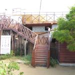 Photo de Kirinda Beach Resort