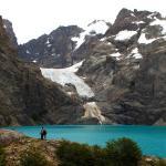 Laguna Azul y glaciar colgante.