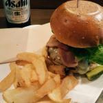 cheeseburger with bacon.. amazeballs