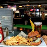Beer & Burger every weekday lunch