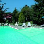 piscina nel parco