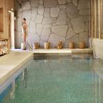 Bassin de nage dans l'Espace Wellness aux Fermes de Marie - Reservé aux adultes