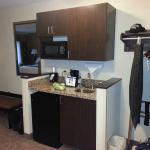 wet bar, fridge, and microwave
