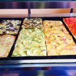 Codziennie do wyboru różne rodzaje pizzy