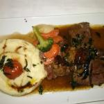 Baguet rossini sauce forestière et purée grand mère