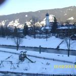 Blick vom Balkon über die Ammer zum Dorfzentrum