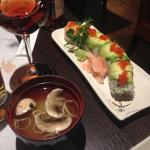 Soupe miso, dragon maki et bière japonaise Asahi