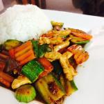 Stirfry chicken w/ steam Rice