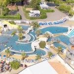 Parc Aquatique du Camping Club Les Brunelles -5*