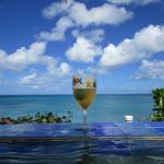 Drinks at the infinity pool