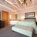 Luxury 5 Star Honeymoon Suites