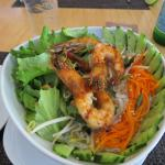 Vermicelli noodle salad with prawns