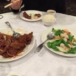 peking spare ribs and scallops/shrimp stir fry.  small portions