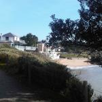 vue de la crêperie terrasse et plage depuis la promenade vers Pornic