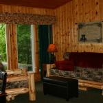 Inside Bears Den Cabin