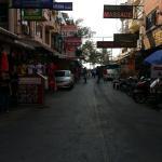 Cette rue et à nous la plage de patong