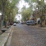 Vista da rua do hostel