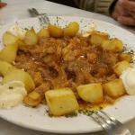 Tapa con carne y patatas