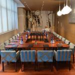 Le salon bleu pour les séminaires au 1er étage de la Paix