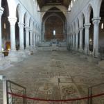 El interior de la Basilica.