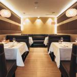 Restaurant (123973984)
