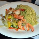 Spaghetti Pesto with Shrimp