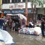 Pasar Baru yang terendam banjir