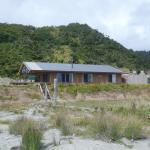 Takutai house seen from the beach
