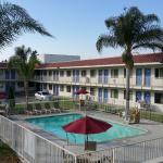 Motel 6 Corona Foto