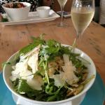 Rocket and pear salad and bubbles !