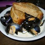 Mussels in creamy wine sauce