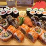 Mittagstisch plus Salmon Skin(gegrillte Lachshaut)