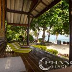 beach front wooden ac